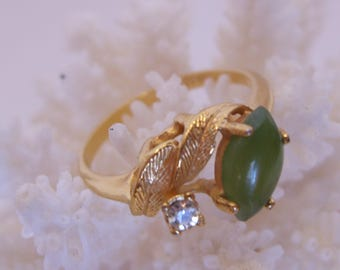 Green Jade Marquise Stone 18K HGE Ring Size 8 1/4