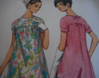 Vintage 1960's Butterick Boutique 4488 Mod Dress Sewing Pattern Size 10 Bust 31