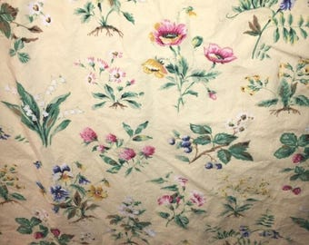 "Liz Claiborne flat sheer 80x102"" colorful floral on butter yellow"