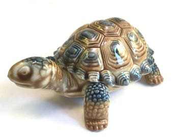 Wade: Tortoise Trinket Box Figurine - Imperfect - Wade Tortoise - Whimsie Tortoise - Wade Trinket Box - Wade Whimsies - Wade Collectables