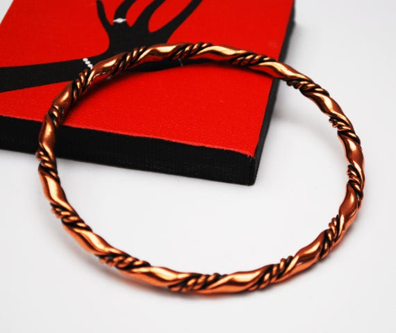 Boho copper  bangle  - Twisted  copper - Ribbed stripped -  modern  bracelet