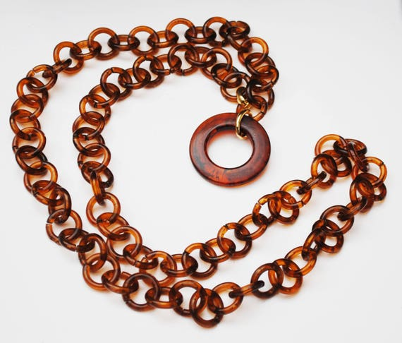 Tortoise shell lucite Link Necklace - plastic brown chain - Circle pendant - gold metal