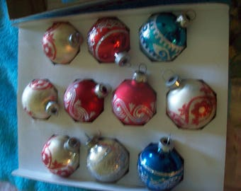 Vintage Box of 12 Holly Glass Ornaments Holly Decorations Inc