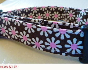 "Sale - 50% Off - Chocolate Brown and White & Pink Daisies Dog Collar - ""Chocolate Daisies"" - Free Colored Bu"
