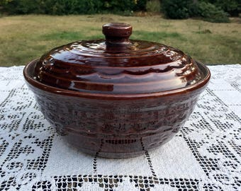 MARCREST Covered Casserole/Ovenproof Stoneware/Daisies & Dots/Made in USA/1960's Stoneware/Dutch Oven with Lid/Colorado Brown Marcrest Pot