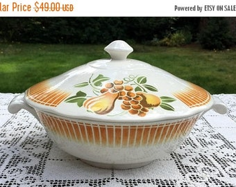 17% OFF SALE Faience of France/Luneville Casserole/Keller & Guerin/Pear and Fruit Pattern/Dishwasher Safe/ LUN14 Covered Dish/France