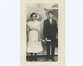 Vintage Portrait Photo RPPC: Viola & Ralph Edwards, Graduation, c1910s (75583)
