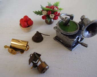 DOLLHOUSE ACCESSORIES/Misc.