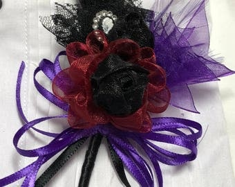 Skull with Black, garnet and Purple Boutonnière