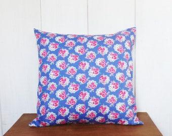 Vintage style cushion - 40 x 40 cm - purple blue flower print fabric