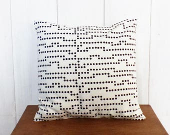 Cushion - 40 x 40 cm - printed dots in black and white fabric