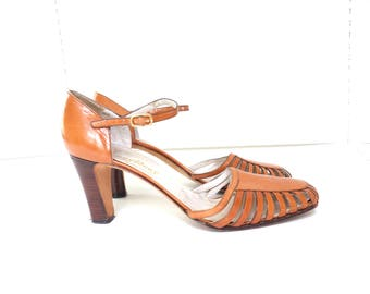 Vintage 1960s Brown Leather Mary Jane Heels, Made in Italy, Size 8.5/39