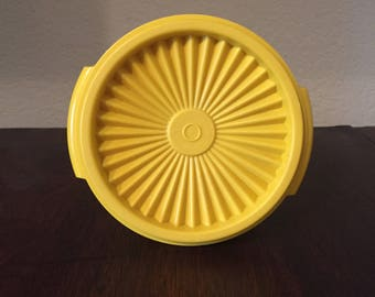 Vintage Tupperware  - Servalier 5 inch 20 oz Bowl with Lid - Sunshine Yellow - 886-21 and 812-33