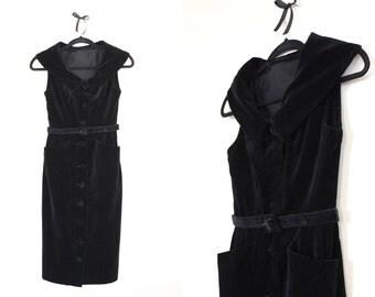 Fabulous Femme Fatale Black Velvet Dress ||| 1950s ||| X Small ||| Black Velvet Button Down Dress with Belt