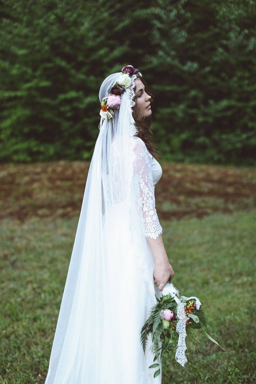 Sabrina Mantilla Veil With Flower Crown