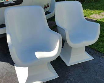 Mid Century Modern Fiberglass Pair Chairs Attr. Knoll Unreadable Label Solid Estate Fresh