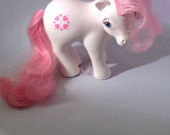 25% OFF Sundance My Little Pony 1983 Hasbro Earth Pony Vintage Pink White Heart Emblem Toys 1980's G1