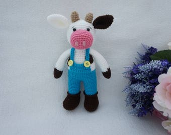 Amigurumi cow crochet pattern