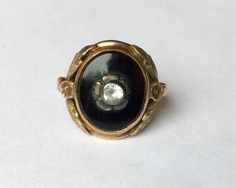 10k gold and onyx, a lovely floral ring, size 5