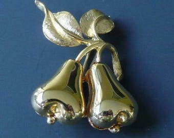 Joan Rivers Double Pear Pin in Gold Tone - S2325