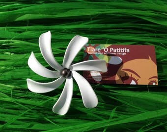 Tiare Flower with fresh water pearl.