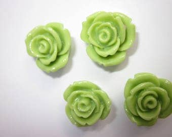 5 lime green roses 2cm plastic craft 20mm (F13)