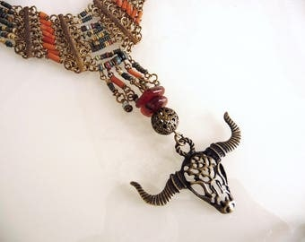 The India baroque necklace is not far away...