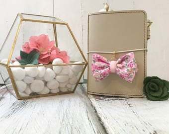 Dainty Bow Planner Charm in Tatum Pink