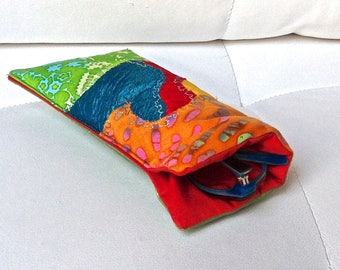 099 - Quilted, multicolored glasses case