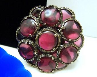 Vintage Crown Trifari Renaissance Ruby Glass Brooch