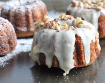 Christol & Co Bakery Old Fashioned Southern - Mini Bundt Cup Cakes, Carrot Chocolate Cake