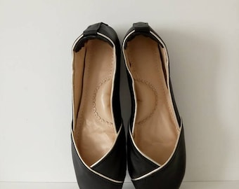 Handmade black leather flat shoes