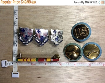 10% OFF 3 day sale Vintage Lot Of 7 Assorted US Military Pins Used