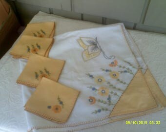 Vintage Embroidered Bridge Tablecloth with Four Napkins, Yellow Tablecloth, Card Table Linen, Cotton Tablecloth, Bridge Tablecloth