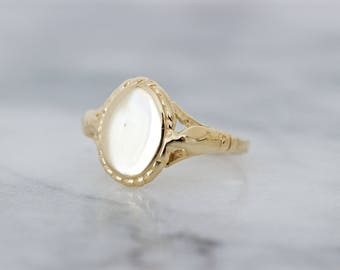 Vintage Gold Signet Ring | Simple Gold Ring | Estate Jewelry | Everyday Ring | Minimal Ring | Pinky Ring | Womens Initial Jewelry | Size 3.5