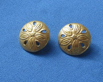 Retro Sand Dollar Shaped Metal Earrings