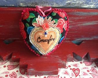 "Heart-shaped Mini Pillow ""Corazon"""
