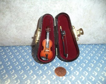 1:12 dollhouse miniature New Violin with bow and case