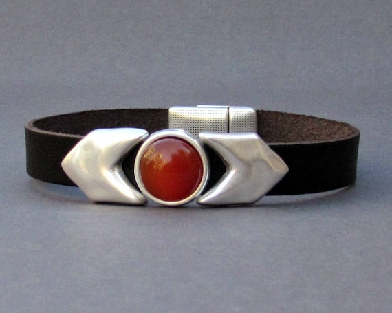 Mens Arrowhead Gemstone Bracelet, Arrow Leather Mens Bracelet Cuff Silver Plating  Customized On Your Wrist