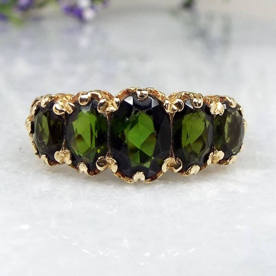 Vintage 1972 9ct Yellow Gold Victorian Style Ornate Green Emerald Ring / Size L 1/2