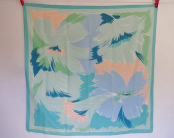"Vintage Abstract Pastel Scarf 29.9"" x 30.3"""