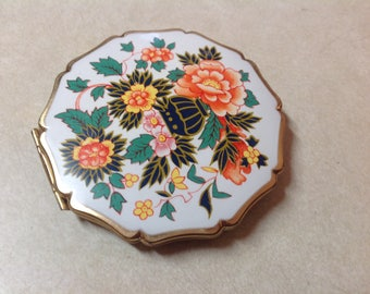 Vintage Stratton powder compact makeup compact gold with enamel flowers made in England, Stratton England makeup compact mirror, makeup