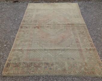 Vintage Ousha rug   Oushak rug  vintage