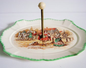 Serving plate with middle handle Lancaster and Sunderland, Hanley