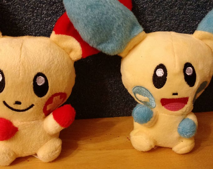 Plusle and minun Pokemon plush set 5 inches tall