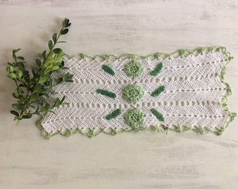 Old Fashioned Mint Green & White Crochet Doily