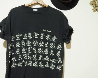 Multiple vintage Mickey Mouse t-shirt