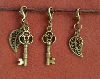 Antique Bronze Key or Leaf Charm for Traveller's Notebook. Planner Bling. Small Lobster Clasp to attach to Notebook Elastic, Handbag, Purse.
