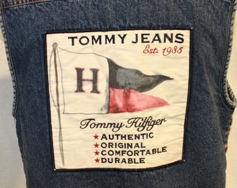 vtg Sherpa lined Tommy Jeans Hilfiger denim vest red white blue plaid check front patch on the back sz M baggy
