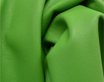 "Fresh Garden Green ""Signature""  Leather Cow Hide 12"" x 12"" Pre-cut 2-3 oz flat grain DE-52159(Sec.8, Shelf 3,D)"